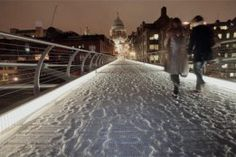 Snow in England on photos on canvas. http://tocanvas.net/