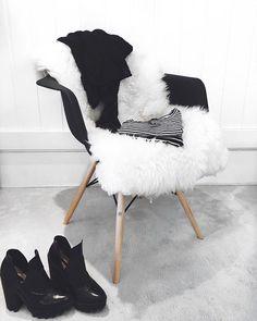 Black and white, preto e branco, listras , boots,botas,  fashion , fur, pelos