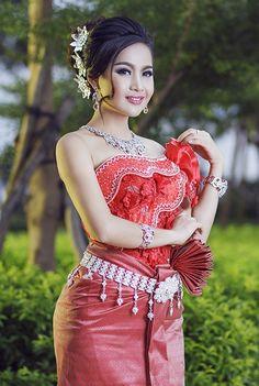 Breast Enlargement Cream Firming Lifting Fast Growth bigger breast cream for women - PLGLogist Beautiful Girl Image, Beautiful Asian Women, Beauty Full Girl, Beauty Women, Thailand Fashion, Arab Fashion, 80s Fashion, Thai Traditional Dress, Khmer Wedding