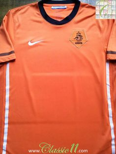 Relive Netherlands  2010 2011 international season with this vintage Nike  home football shirt. c5a0573f5