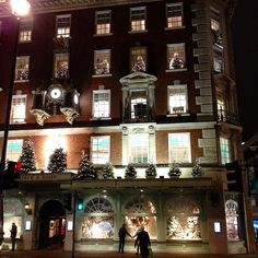 Fortnum and Mason at Christmas time! #ChristmasLights #WindowDisplays
