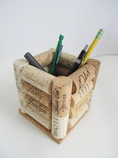 Here are the Diy Wine Cork Hacks. This post about Diy Wine Cork Hacks was posted under the Furniture category by our team at April 2019 at pm. Hope you enjoy it and don't forget to share this . Wine Craft, Wine Cork Crafts, Wine Bottle Crafts, Crafts To Make, Diy Crafts, Upcycled Crafts, Yarn Crafts, Bead Crafts, Wine Cork Art