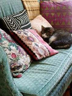 couch, cushions