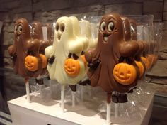 Trick or ..Treat? #Halloween #Spooky #Chocolade #lolly #Villachocola