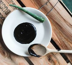 DIY Activated Charcoal Mask to Draw Out Deep-Dwelling Pore-Cloggers | Beauty and MakeUp Tips