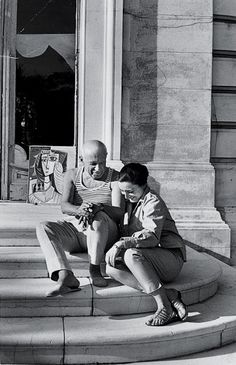 vintage everyday: 15 Interesting Old Photos of Everyday Life of Pablo Picasso and His Two Wives