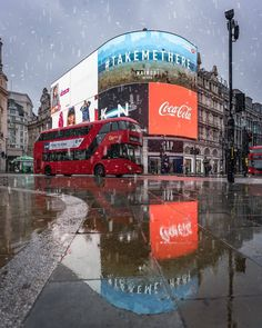 London Bus, London City, London Guide, Piccadilly Circus, British Rock, Nairobi, London England, Buses, Times Square