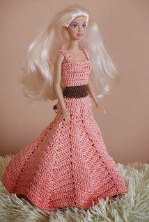 Barbie w balowej sukni. Barbie dress.