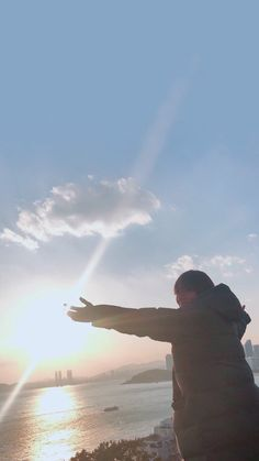 Taehyung travel to paris Foto Bts, Bts Photo, Daegu, Bts Pictures, Photos, Group Pictures, V Bts Wallpaper, Bts Lockscreen, V Taehyung