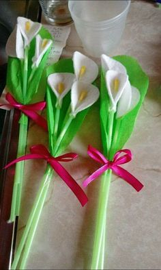 Blooming beauties 16 flower crafts for mother's day – Artofit Preschool Crafts, Easter Crafts, Christmas Crafts, Mothers Day Crafts For Kids, Diy For Kids, Upcycle Home, Diy Arts And Crafts, Summer Crafts, Flower Crafts