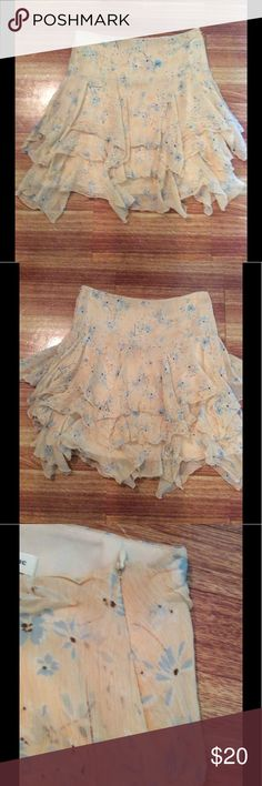 ❗️PRICE DROP❗️Banana Republic skirt Banana Republic pale yellow silk skirt  with blue flowers, made with layers. Side zipper and inside lining. Size 2.  Materials:  Shell:  silk:  Lining:  Polyester.  Measurements:    Waist:  14 inches side to side  Length:  18 inches side to side   Listing:  272 Box 7 Banana Republic Skirts Mini