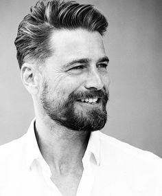 Bertil Espegren (@bertilespegren) • Instagram photos and videos Best Beard Oil, Old Hairstyles, Haircuts, Types Of Beards, Short Beard, Awesome Beards, Beard Tattoo, Beard Care, Shiny Hair