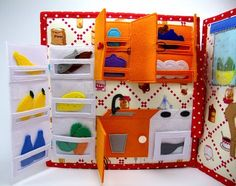 Big Dollhouse Quiet book, Felt Activity book, Busy book, Ca♥The felt quiet book is recomended for kids from 3 to 5 years. The sensory busy book is great way to develop fine motor skills and imagination, to discover theRisultati immagini per quiet b Diy Quiet Books, Baby Quiet Book, Felt Quiet Books, Diy Busy Books, Silent Book, Sensory Book, Quiet Book Patterns, Toddler Books, Book Quilt