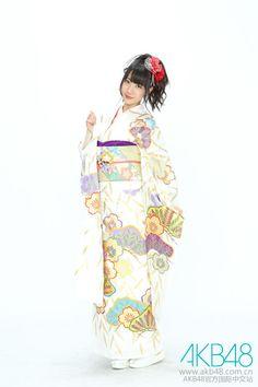 An older photo of Yuki in kimono : )