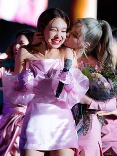 Kpop Girl Groups, Korean Girl Groups, Kpop Girls, Girl Short Hair, Short Girls, Twice Show, Chaeyoung Twice, Nayeon Twice, Twice Dahyun