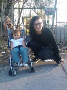 Seriously, this pic makes me smile every time I see this. Sonny is such a sweet person, I just can't- *-*