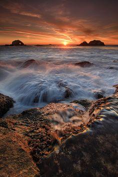Sutro Baths Waterfall. California; photo by Alan Chen