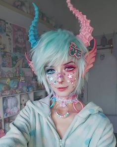 "Kawaii make-up Elfgutz inspiration pastel pink hair/ pastel blue hair"" blood skull hand Pastel Goth Fashion, Kawaii Fashion, Pastel Goth Makeup, Pastel Nails, Pastel Goth Hair, Lolita Makeup, Pastel Pink, Pink Hair, Maquillage Halloween"
