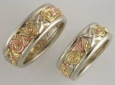 Walker Metalsmiths Celtic Jewelry...I'm obsessed with their beautiful sparkly jewelry.