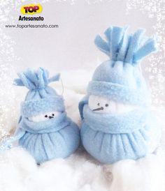 Aprenda neste post como fazer um lindo boneco de neve de feltro. Poderá utilizá-lo como enfeite de árvore de Natal. É super fácil de fazer, clique e aprenda
