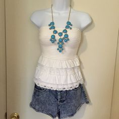 Hollister white ruffle top. Hollister white ruffle top, size small, good condition. Hollister Tops