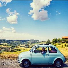 Olha aí @lelemat ☺ Esse tá bom rsrsrs  #carro #fiat500 #fiat #azul #pérola #vermelho #verde #preto  #cores #euquero #love…