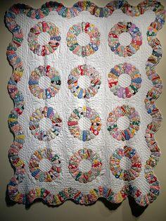 Dresden Plate Quilt    Artist Unidentified  United States  1930-1940