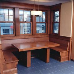 Kitchen Nook - in darker wood, craftsman style Like this, would work with wheelchair too. Craftsman Furniture, Craftsman Interior, Craftsman Kitchen, Craftsman Style Homes, Craftsman Bungalows, Craftsman Living Rooms, Craftsman Remodel, Craftsman Fireplace, Craftsman Trim
