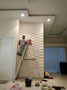 Dinding gipsum, motif timbul, mudah dalam perawatan Info: 081380374672 Gypsum wall, motif embossed, easy to care Info: 081380374672 House Design, Ceiling Design Living Room, Ceiling Design, Wall Molding, Tv Wall Design, House Interior, Wall Design, Wall Paneling, Interior Wall Design