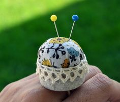 Finger pincushion...why didn't I think of this?