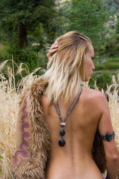 HIPPIE MASA.  This page is full of beautiful inspiration!  And I WILL have those anchor tattoos on my feet.