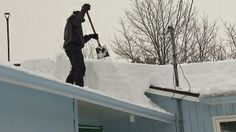 Roof Snow Removal Edmonton | 1.780.424.7663 | www.edmontonroofsnowremoval.com | a Division of General Roofing Systems Canada (GRS) | Roof shovelling