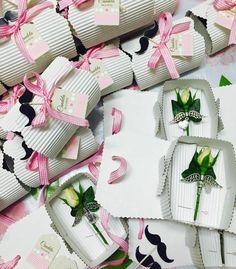 Nuestras etiquetas decoraban los regalos de los invitados de la Primera comunión de Candela. Un evento en el que se cuidó cada detalle el sello y esencia de GRACE.  #comuniones #RecordatoriosdeComunion #primeracomunion