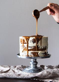 Sticky Toffee Pudding Cake - Stylesweetca.com #recipe #cake