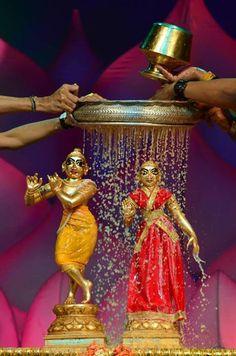 Enchanted by South Asia Krishna Sudama, Iskcon Krishna, Krishna Statue, Jai Shree Krishna, Cute Krishna, Lord Krishna Images, Radha Krishna Pictures, Radha Krishna Photo, Krishna Photos