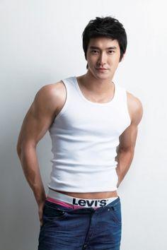 choi siwon 2013 | Man Candy Mondays – Choi Siwon | Yellow Slug Reviews