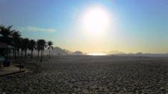 O Sol nascendo em Copacabana formando uma grande bolha.