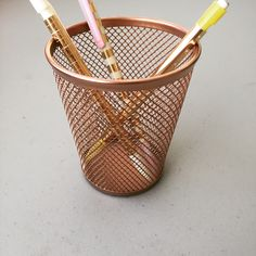 Eliminate one of life's little messy hassles while freshening up the beauty and function of your desk environment, with this exclusive multi purpose rose gold mesh pen/pencil cup. It's perfect for those who wish to add a dash of style and organization to their work space. Will compliment nearly all existing styles/decorations perfect for the home or office.        Also makes a great gift for a co worker, friend, or significant other. Different strokes for different folks!? I have other…
