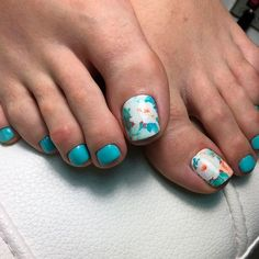 Elegant Toe Nail Designs With Floral Art ❤ 40+ Incredible Toe Nail Designs for Your Perfect Feet ❤ See more ideas on our blog!! #naildesignsjournal #nails #nailart #toes #toenaildesigns #toenails Nails To Go, Toe Nails, Pretty Nail Designs, Toe Nail Designs, Going Crazy, Pedi, Pretty Nails, Nail Art, The Incredibles