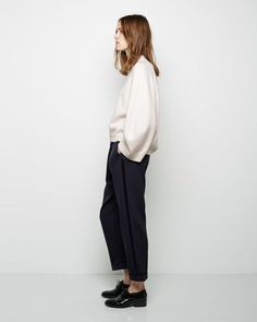 Minimalist Fashion - My Minimalist Living Minimal Chic, Minimal Fashion, Japanese Minimalist Fashion, Look Fashion, Winter Fashion, Womens Fashion, Net Fashion, Fashion Spring, Fashion Outfits