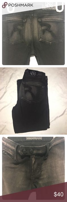 Rock & Republic skinny Jeans size 24 Black Rock & Republic skinny jeans/Jeggings size 24 gently used. Biker style.. gently used tho a bit of the stitching has been snagged off the back a bit. Rock & Republic Jeans Skinny
