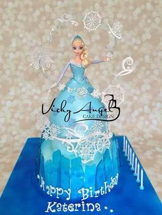Frozen Elsa cake with cake lace Anna Frozen Cake, Frozen Doll Cake, Anna Cake, Frozen Theme Cake, Frozen Dolls, Frozen Party, Frozen Cake Decorations, Olaf Cake, Movie Cakes