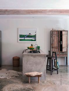 French By Design: House Tour : The escape home of Jan + Ronnie I want the concrete table @Weuji Hikikomori