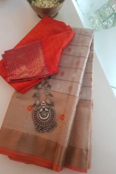 Simple Sarees, Trendy Sarees, Stylish Sarees, Cotton Saree Designs, Silk Saree Blouse Designs, Blouse Patterns, Kota Sarees, Indian Sarees, Silk Saree Kanchipuram