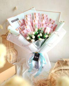 Flower Bouqet, Money Bouquet, Money Flowers, Flower Boutique, Fresh Flowers, Flower Arrangements, Bucket, David, Pastel