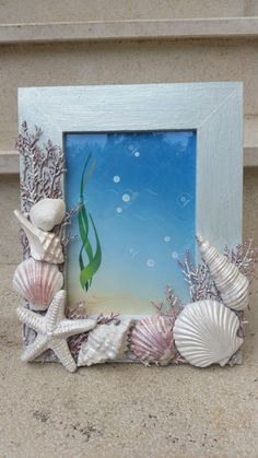 Cornice con conchiglie Seashell Picture Frames, Seashell Frame, Seashell Art, Seashell Crafts, Mermaid Crafts, Mermaid Diy, Shells And Sand, Sea Shells, Mermaid Kids Rooms