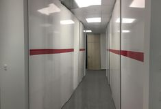 folyosó, beépített szekrénysor