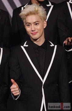 [NEWS PHOTO] 140525 Suho - #LOSTPLANETinSEOUL Press Conference pic.twitter.com/xt0Z1nDQeO