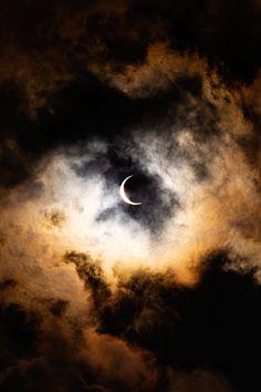 Spooky Moon iPhone Wallpaper