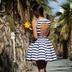 Stripe Open Back O-neck Sleeveless Short Dress